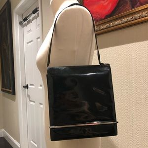 Gucci black patent leather shoulder hand bag